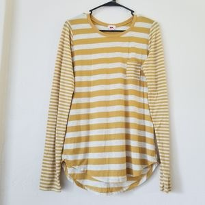Long sleeve yellow striped tshirt